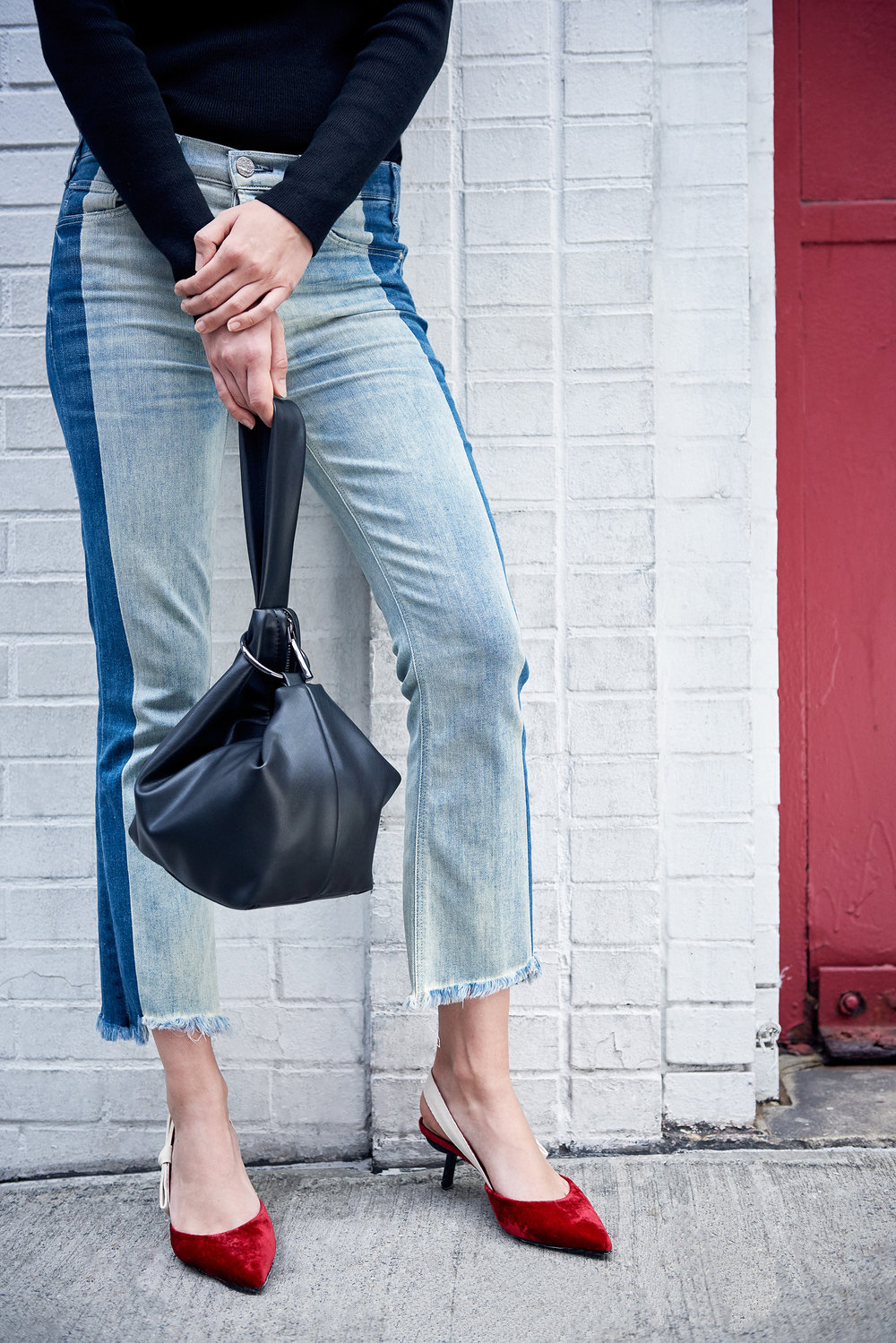 Beau Cold Shoulder Sweater & Vintage Mid-Rise Contrast-Wash Slim Jeans & Inner Circle WristletBag