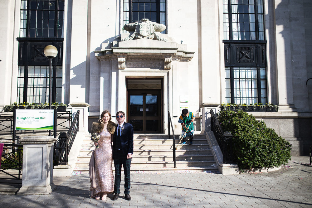 Louise + Phil // Islington Town Hall + Lamb's Tavern