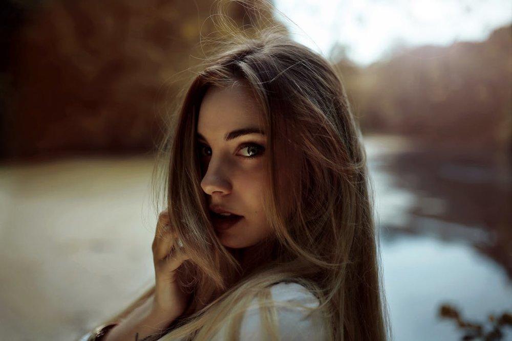 ....   Viele Menschen haben ihre Einzigartigkeit, ihre Würde und innere Schönheit noch gar nicht entdeckt. Helfen Sie jemandem heute, diese Entdeckung zu machen !   ..   Many people have yet to discover their uniqueness, dignity and beauty. Maybe you could help someone make that discovery!   ....