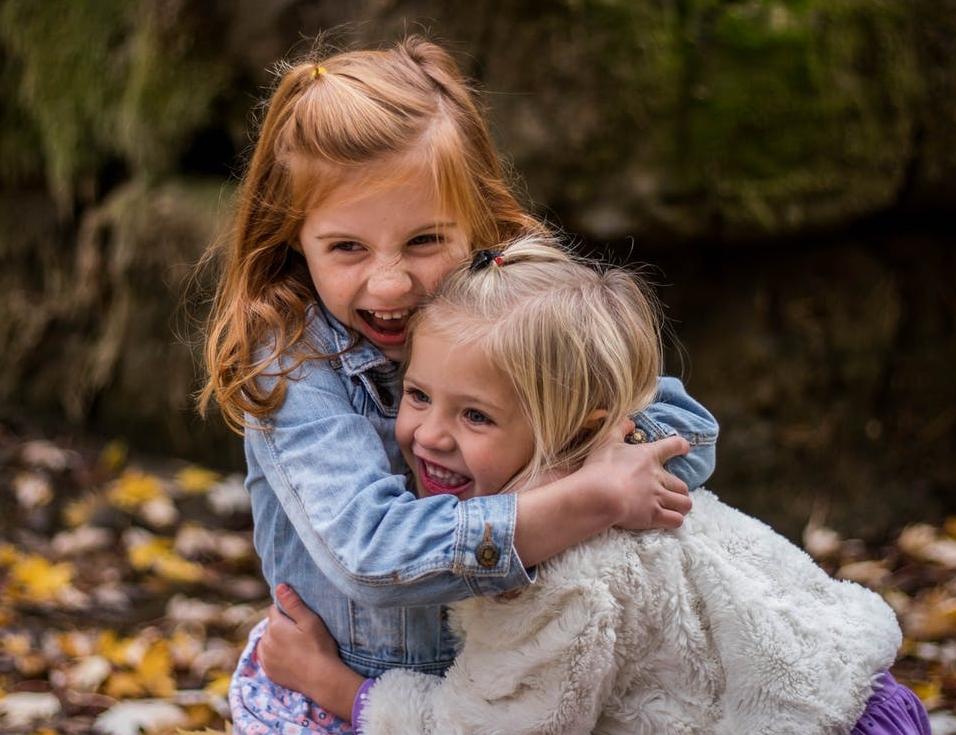 Von Kindern können wir einiges lernen: Spielfreude, Unbeschwertheit, Echtheit, Lernfreudigkeit, Lebensfreude, Treue. Lasst uns an ihnen ein Beispiel nehmen !