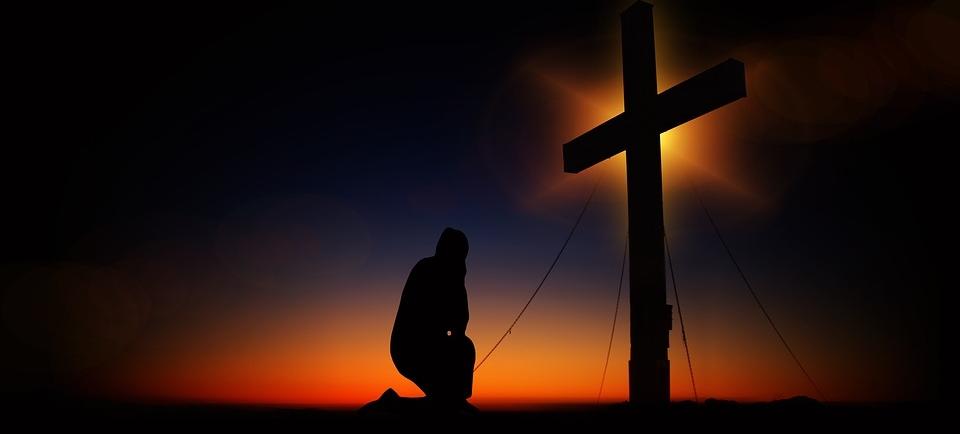 Alle diese guten Eigenschaften können HIER, beim KREUZ, bei JESUS, abgeholt werden. Ist das nicht sensationell ?