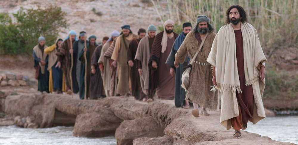 Jesus nachfolgen ist mitunter mit grossen Herausforderungen verbunden. Es ist SEIN Interesse, dass sich dadurch unser Charakter auf seine Wiederkunft vorbereiten kann. Schliesslich hat ER für uns bereits eine Wohnung vorbereitet !