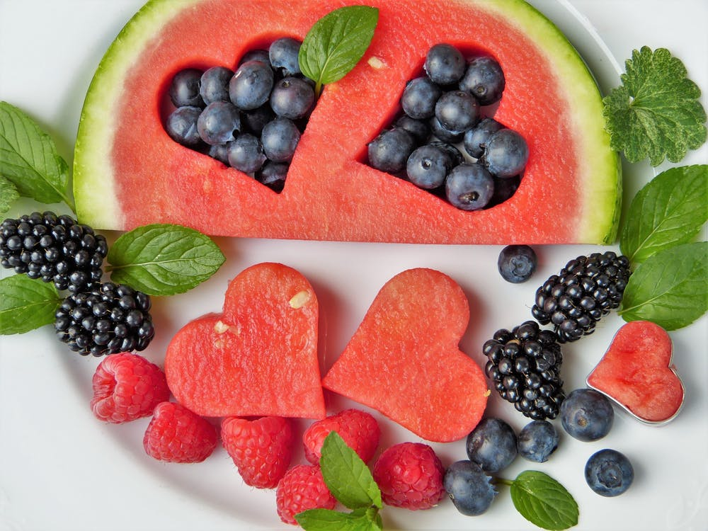Ein solcher Früchte-Cocktail aus dem eigenen Garten lässt nichts mehr zu wünschen übrig !! Übrigens ist die Heidelbeere die Top-Antioxidant*-Frucht.  Siehe folgende Erklärung.