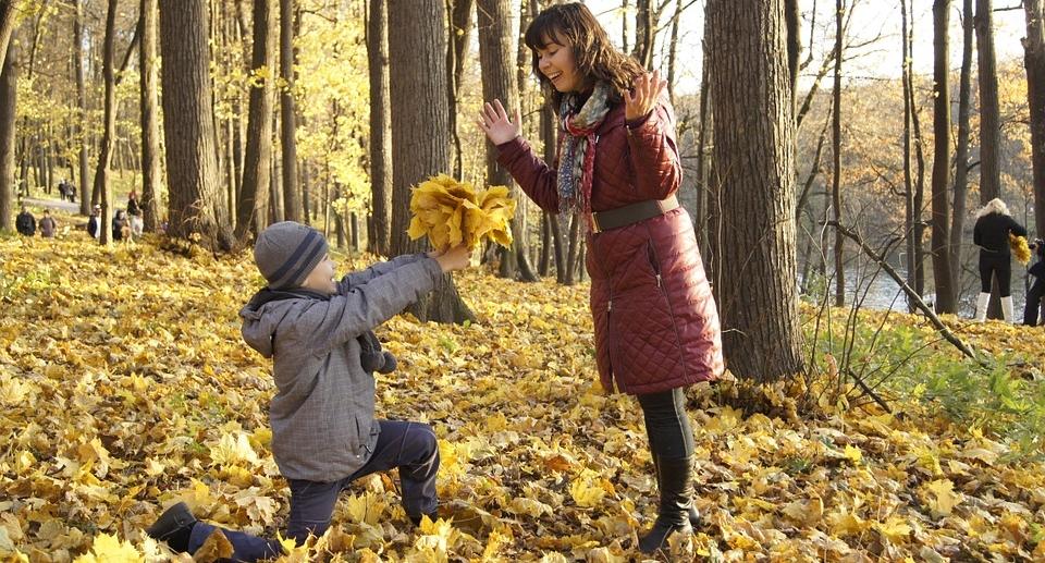 Wunderbar ! Dieses Kind hat gelernt, dass Geschenke Freude bereiten und die Zuneigung und Liebe spiegeln... Wunderbar !