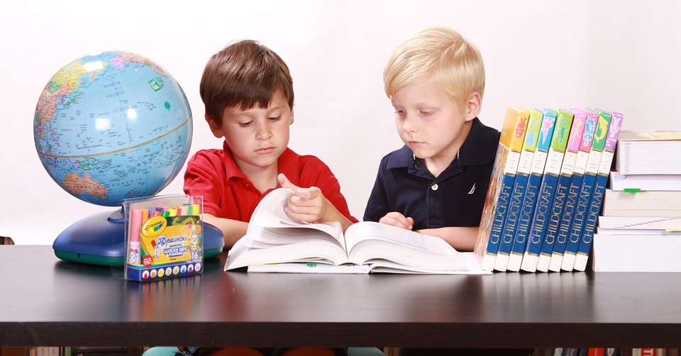 Wenn es der Lehrkraft gelingt, ein Thema so motivierend einzuführen, dass die Kinder Eigeninitiative entwickeln, dann ist das ein grosser Pluspunkt für den Lernerfolg.
