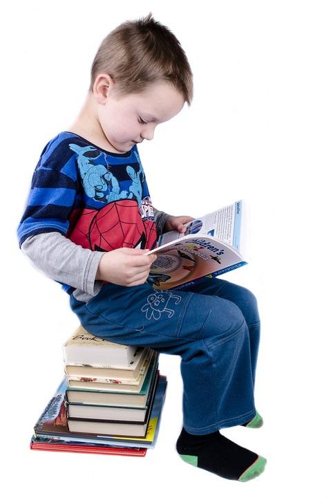 ....   Wie kann Kindern schützende Werte vermittelt werden. Durch 'wertvolle' Geschichten.     Früh übt, was einmal eine Leseratte werden will ! Gute Literatur, auch vorgelesen, trägt viel zur Wertevermittlung bei. Kinder, die dieses Privileg erhalten haben, sind privilegiert.   ..   How can children be taught protective values? Through 'valuable' stories.      Successful bookworms start young! Reading or listening to good books can do a lot toward forming a child's values. Children who grow up with the privilege of good literature have great advantages.   ....