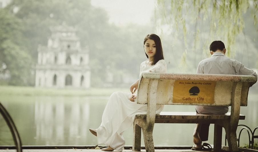 ....   Bedenken wir: Jeder Mensch hat seine Stärken und Schwächen. Diese gilt es in einer für die Zukunft ausgelegten Beziehung zu erkennen, gemeinsam zu besprechen und einander zu helfen, aus Fehlern Positives zu machen. Wo noch ein wenig Demut vorhanden ist, da ist auch Hoffnung berechtigt.    Die Frage, wozu eine Partnerschaft da sein und wohin die Beziehung beide führen soll, bleibt in vielen Beziehungen unbeantwortet.   ..   Remember: Every person has strengths and weaknesses. When two are considering beginning a relationship that they want to have stand the test of time, it is important for them to recognize, discuss and help each other develop these assets and deficits. Defects must not be ignored, but worked on. This requires a little humility, but wherever this is present, there is cause for hope.   ....