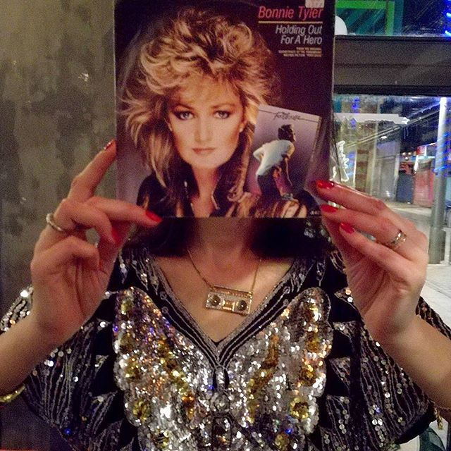 Hair goals. Voice goals too, but that's never gonna happen! Ah Bonnie, you're awesome. We'll be back at the Chequers next Saturday 20th for more vinyl adventures @mixtape_e17. The best pop, rock and hip hop from the 80s and 90s. Come down and dance away the January blues.