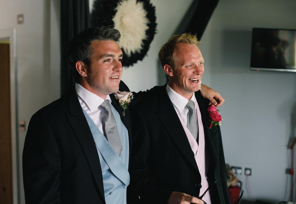 Hampshire wedding photographers 009.jpg