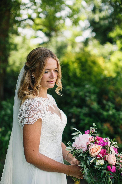 Hampshire wedding photographers 019.jpg