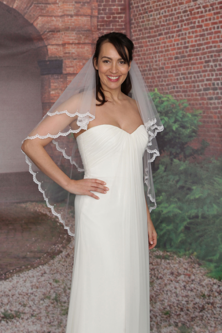 Wedding veils popular styles for 2017 cheadle bride wedding veil styles junglespirit Image collections