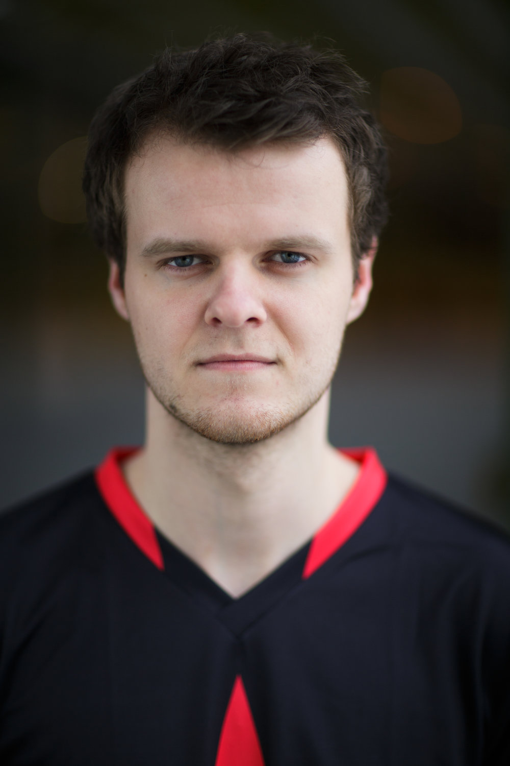 Andreas 'Xyp9x' Højsleth (vertical) - download