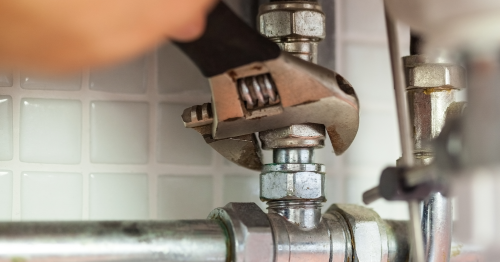 Plumbing maintenance during the fall
