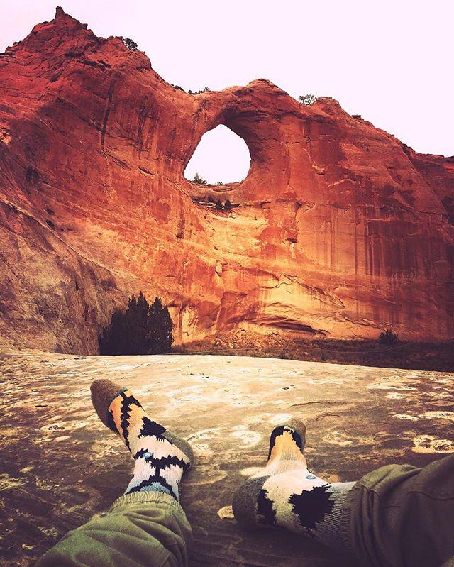 Sometimes just take the time to stop... . Window Rock, Arizona. Navajo National Forest. . #travel #windowrock #roadtrip #stancesocks #Arizona #nativeamerican #sacredland #grassgram #lostnfound #lovewhatyoudo #lifeontheroad #explore #adventure #justgoshoot #trust #live