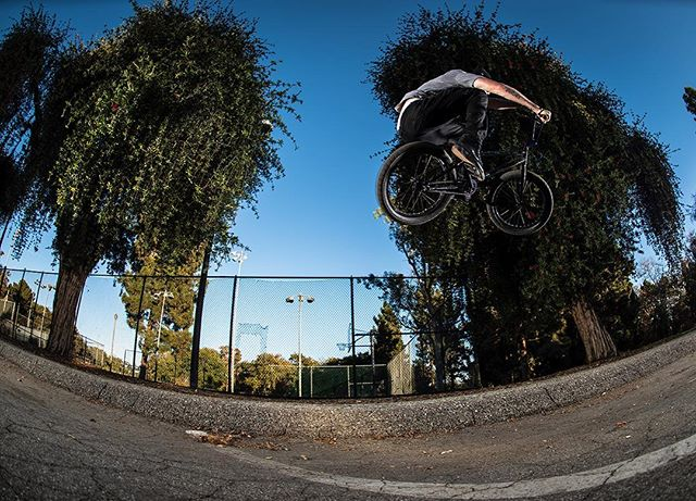 Curb cut classics w/ @tomvillarreal Long Beach, California. November 2016... . An alternative way of living is a choice to see life in a different light, a decision to trust yourself and own your decisions. Create your own happiness... . @maderabmx #digbmx #grassgram #lovewhatyoudo #bmx #LA #LBC #CA #California #action #Nikon #giveafuck #believebelong #photography #create