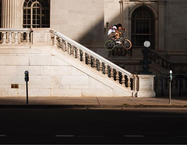 High speed hops w/ @lahsaankobza Downtown Denver, Colorado.  Many moons ago! . #Denver #Colorado #grassgram #lahsaankobza #bmx #digbmx #gofast #lovewhatyoudo #CO #DNV