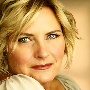 "Denise Crosby - ""Captain Norton"""