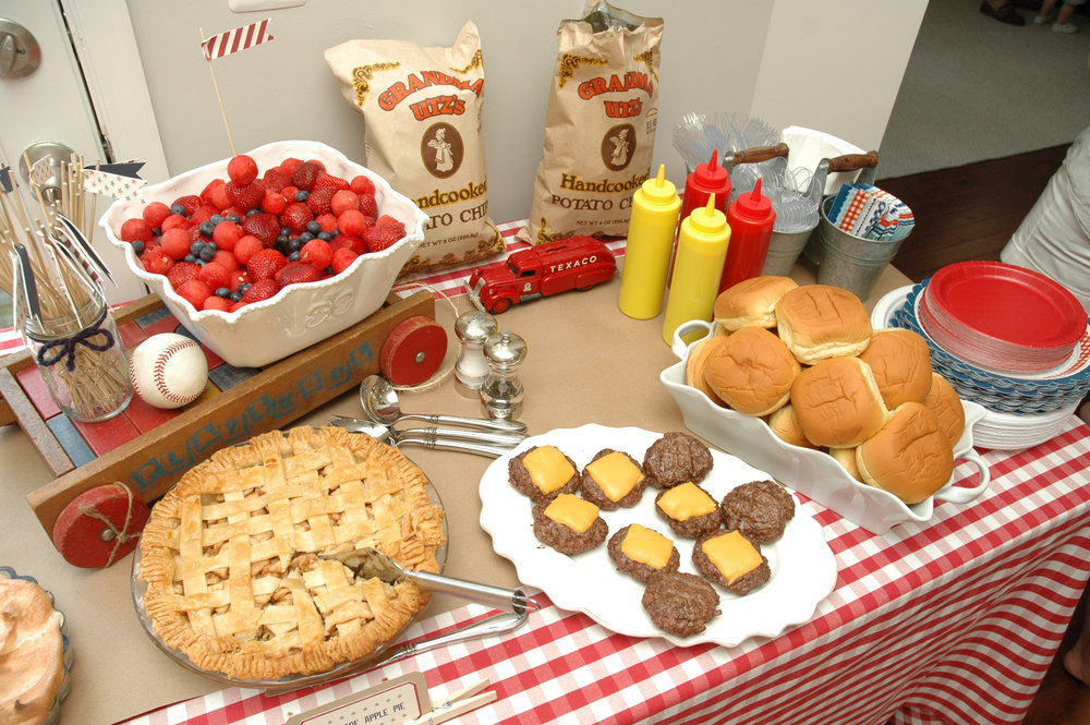 Classic burgers and home-made pies, and red and blue cut fruit!