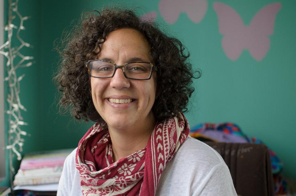 Mehri Davis, Founder of Art Outside the Lines in Columbus, Ohio