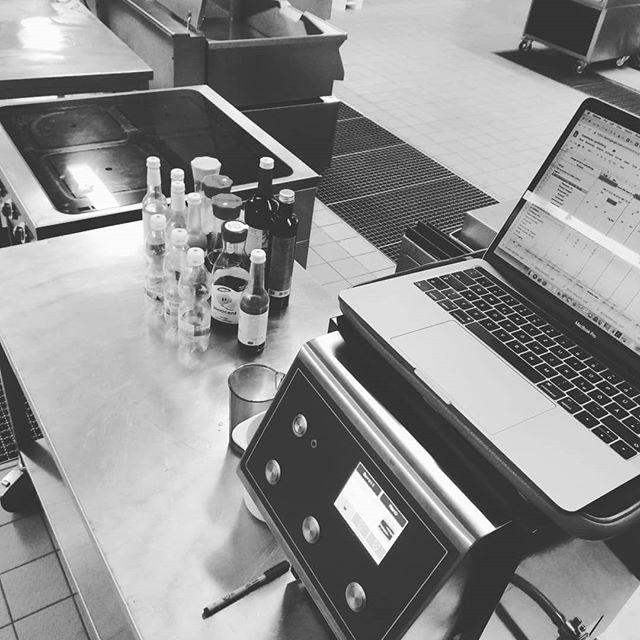 #heisserwein #Gluehweinbar #7daystogo #mikelannernow