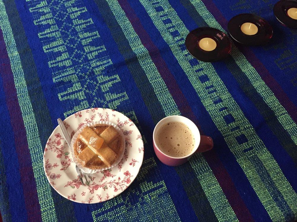 Koffie met gebak bij de familie Alibaks uit Dordrscht
