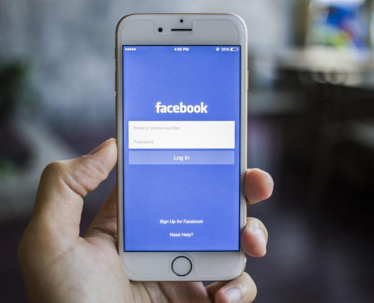 facebook-smartphone-740x600.jpg