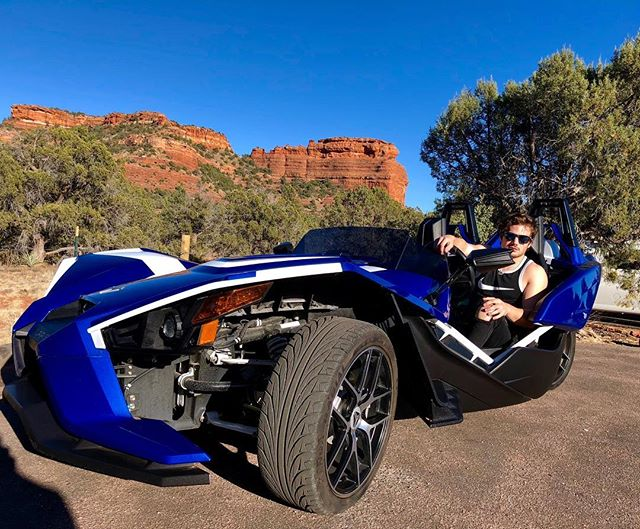 The beauty of Sedona seen in a slingshot! Reserve yours today! Link in bio to our website 😃  #tours #sedonaslingshot #sedona #visitsedona #prescott #flagstaff #grandcanyon #phoenix #scottsdale #glendale #arizona #utah #devilsbridge #polarisslingshot #cottonwood #tucson #asu #ride