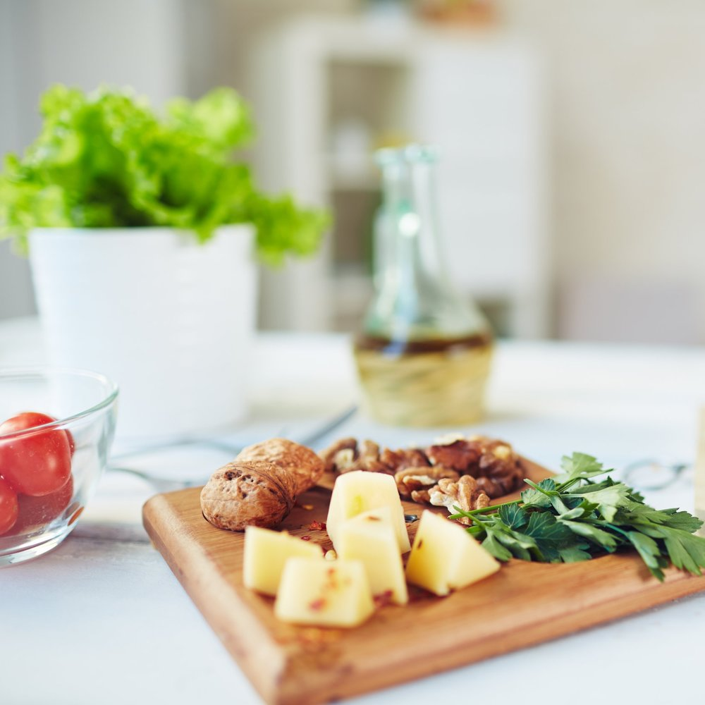graphicstock-healthy-food-on-dinner-table_BXbAkCSGEW.jpg