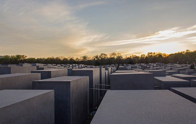 Holocaust Memorial (2/2)  Although the number of the stelae and design has no symbolic significance according to the architect, it still represents a radical approach to the traditional concept of a memorial. It's like a warm Saturday afternoon that's spent playing Marco-Polo at this cemetery-like atmosphere.  #holocaust #memorial #berlin #architecture #photography #beyond #theworldyousee