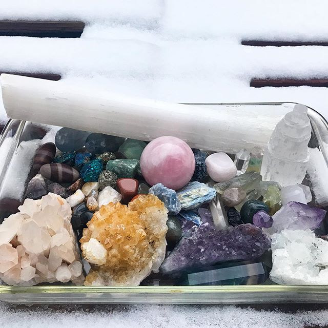 Gave my crystal babies a moon bath last night under the gorgeous Virgo super moon. They were all sparkly and cold this morning and feel amazing! 💎💎 . I'm using the grounded, determined, organized and focused Virgo energy to really reach for the dream that's been stirring in my heart. BIG things are coming soon! . What moon rituals do you weave into your life? What do you want to harness and bring in over the next month, 6 months, year? . Side note - had to start using baking dishes for these overnight moon baths because all my other trays are too small 🙄😂 Can anyone else relate?