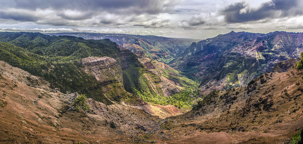 waimea canyon pan 01.jpg