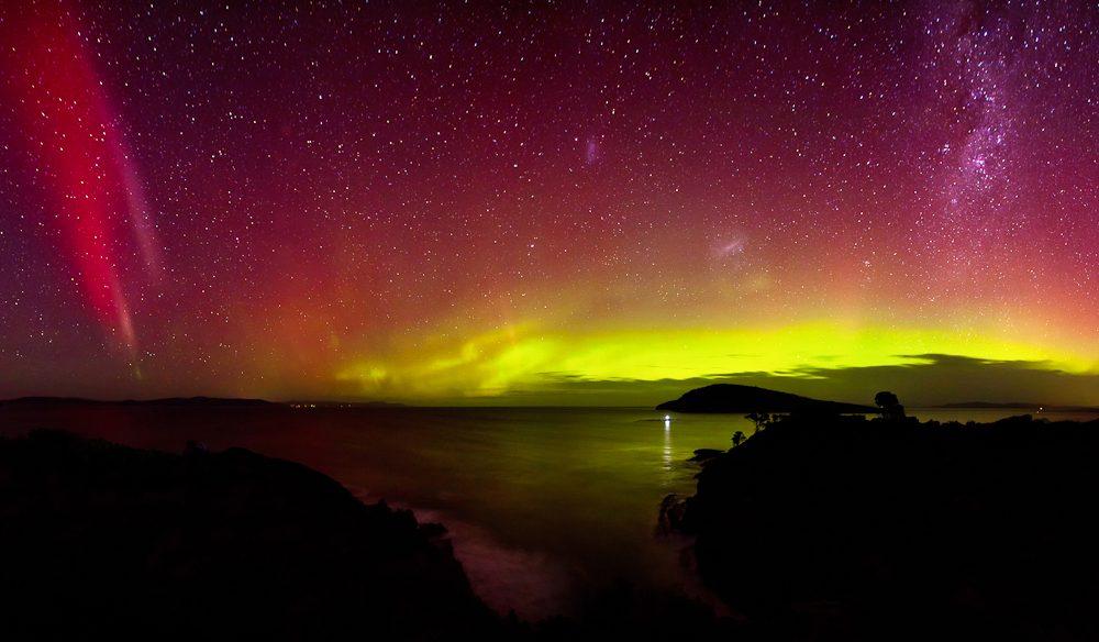 Aurora-Australis-Goats-Bluff-July-15th-2012-James-Garlick.jpg