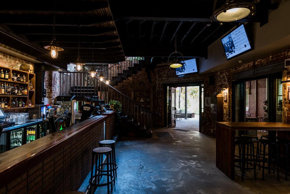 Main Bar_001.jpg