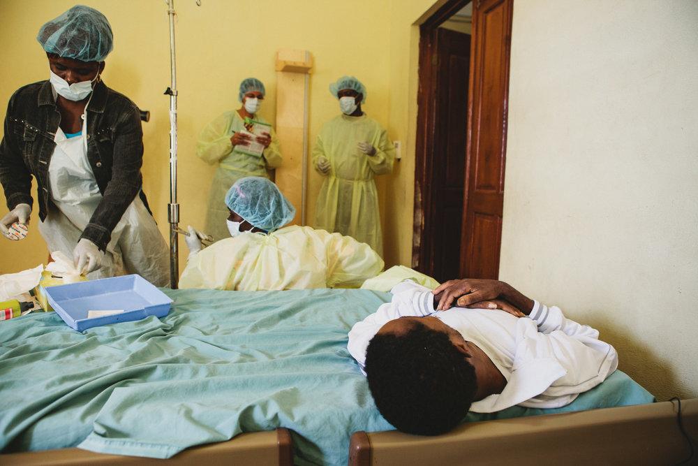 Healing_Art_Missions_Haiti_Medical Clinic_005.jpg