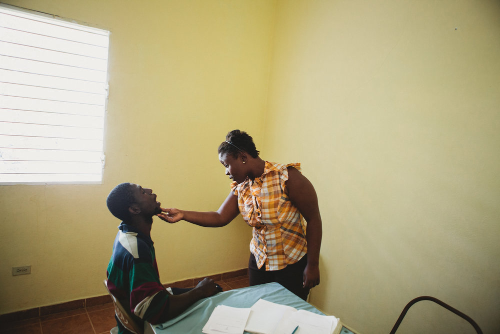 Healing_Art_Missions_Haiti_Medical Clinic_007.jpg