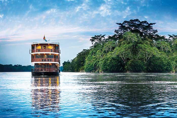 Galápagos, Andes & Amazon RiverCruise Walking Tour -