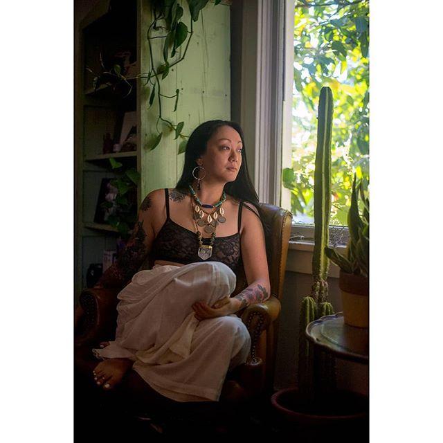 Beautiful morning with amazing women @mingmingchou__ @elementcreationsjewelry  #makeportraits