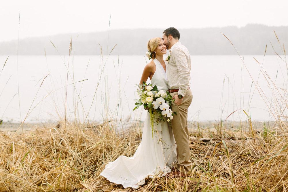 romantic-beach-wedding-photos