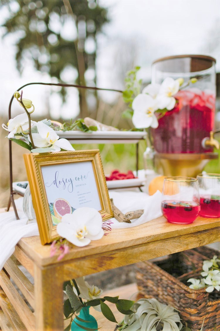 tropical-wedding-beverage-bar