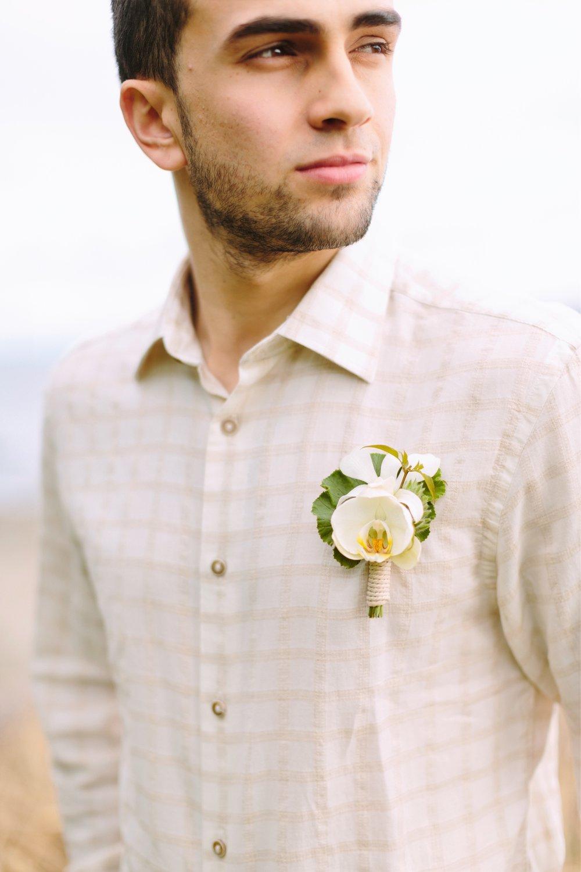 beach-wedding-boutonnieres