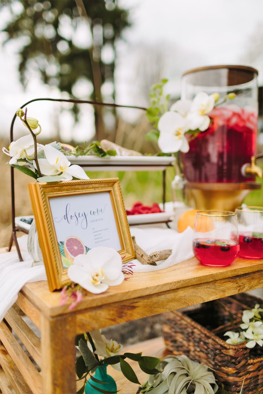 beach wedding beverage bar
