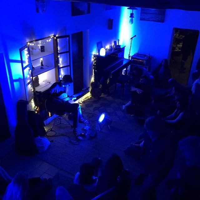 Where does the time go?! This time last week we were preparing for this intimate gathering at @sonicvistastudios  #ibizamusic #ibiza2018 #ibiza #ibizawinter #sofarsoundsibiza #sofarsounds #mindfulness #yogamusic #yogaretreat #ibizaretreats #meditation #mindfulmusic #mindtravel #liveart #collaboration #ambientguitar #ambient #godinguitars #godin #fluxeffects #bosspedals #strymon #strymonelcapistan  @strymonengineering @fluxeffects