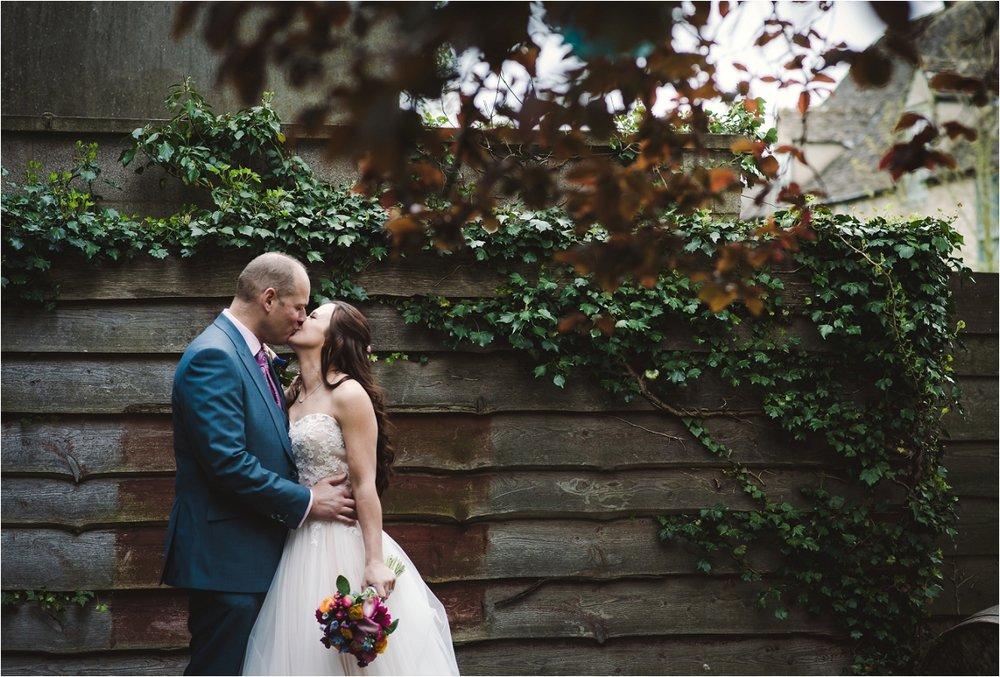 chris_emma_wedding_the_Fleece_inn_0006.jpg