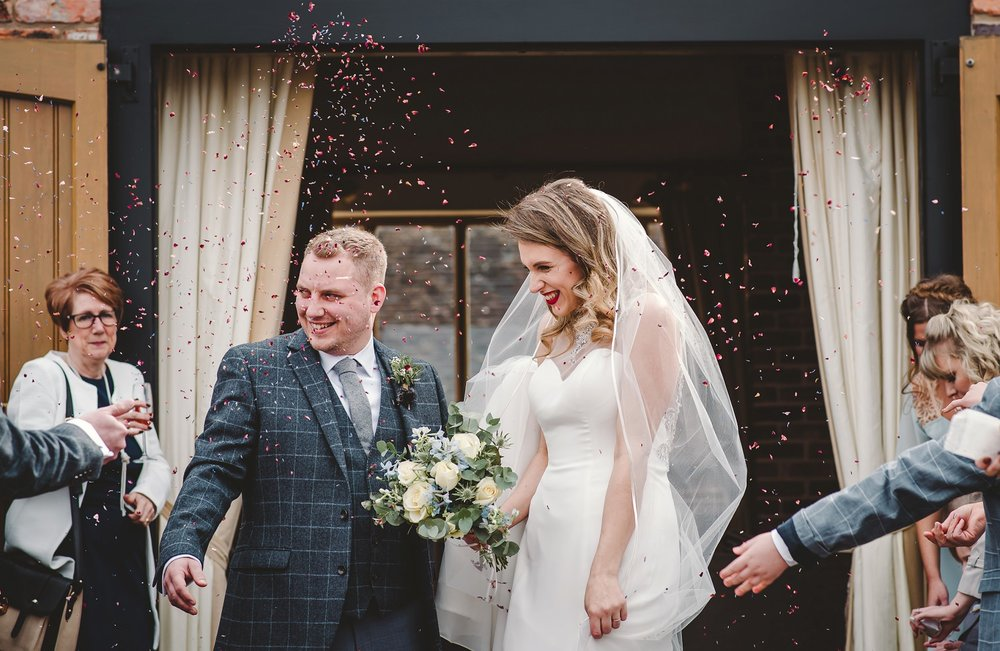 tom_megan_curradine_barns_wedding_0004.jpg