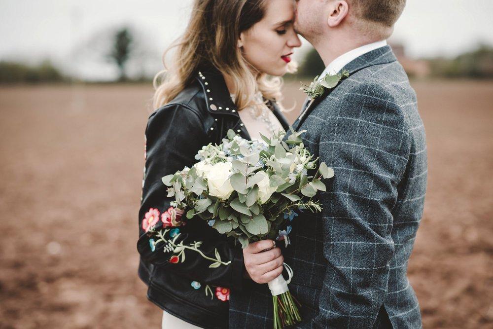 tom_megan_curradine_barns_wedding_0006.jpg
