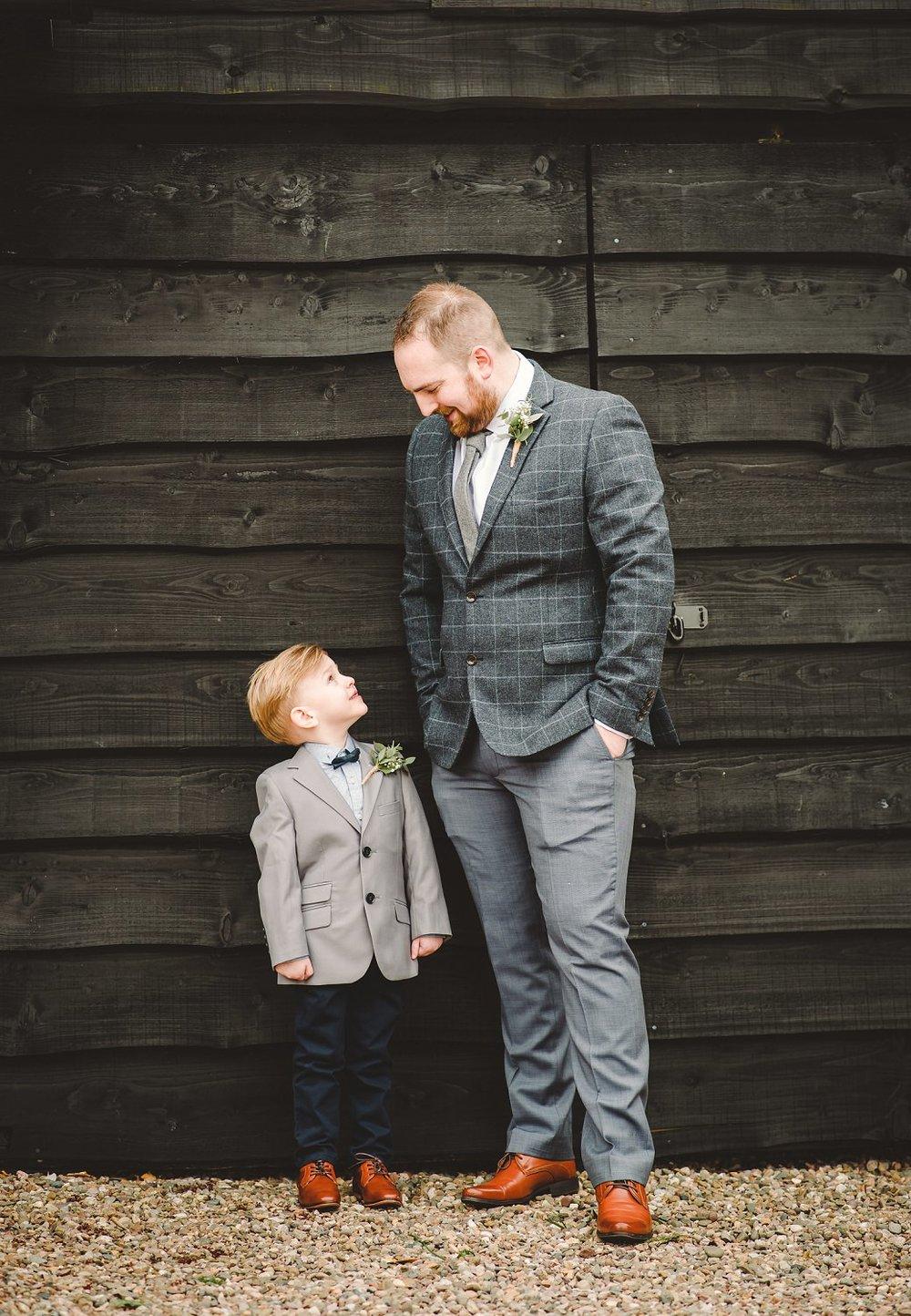 tom_megan_curradine_barns_wedding_0032.jpg