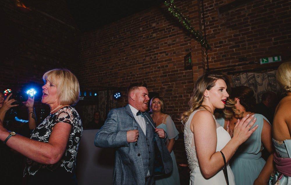 tom_megan_curradine_barns_wedding_0101.jpg