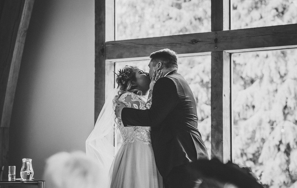 angie_nat_mill_barns_wedding_0071.jpg