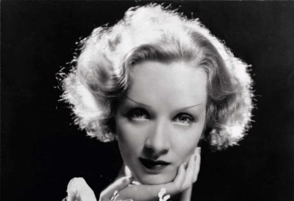 Marlene Dietrich fotografiada por Cecil Beaton.