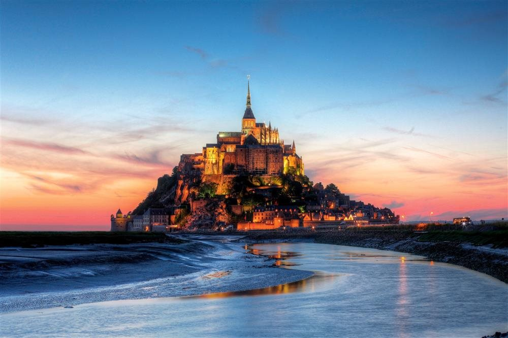 stock-photo-mont-saint-michael-ok_1000x666.jpg